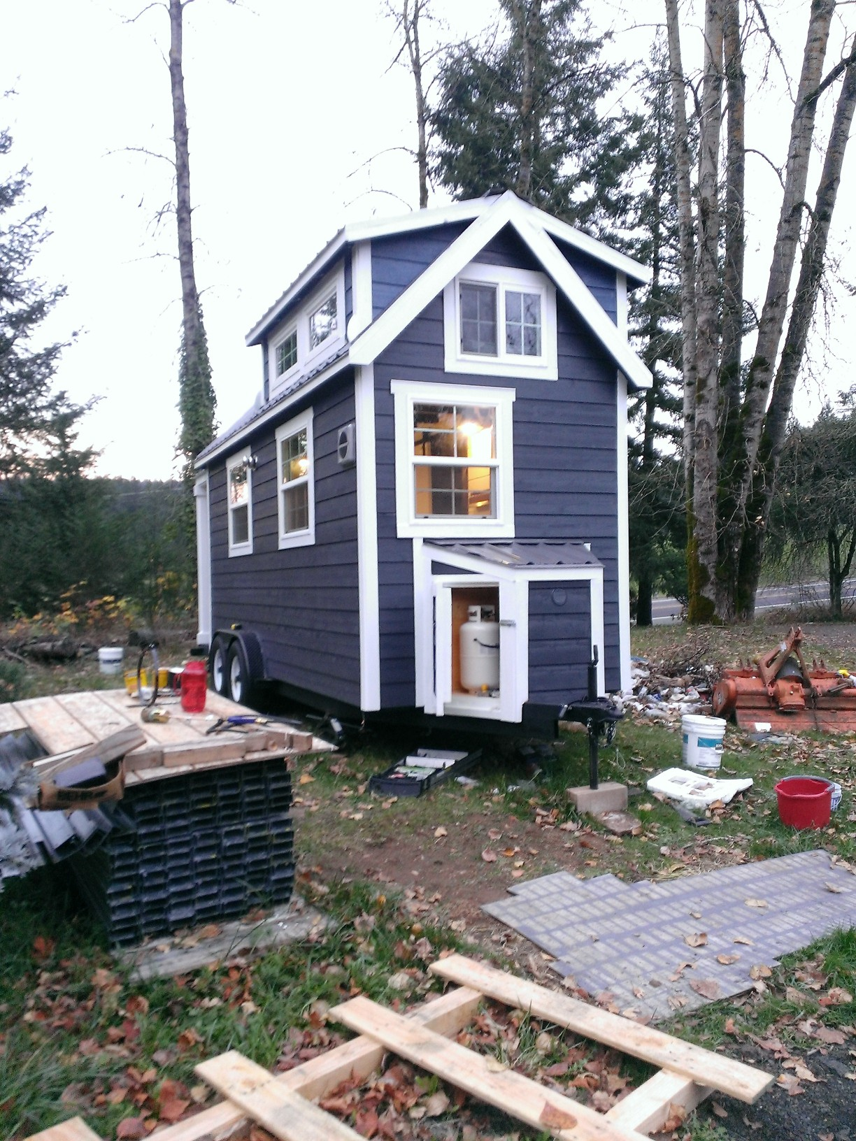 tiny-home-outside