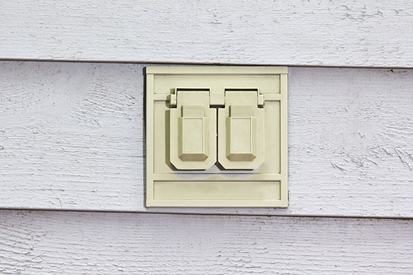 Why Aren't My Exterior Outlets Working? | Prairie Electric on